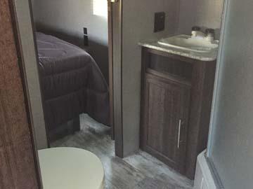 330BH-bathroom