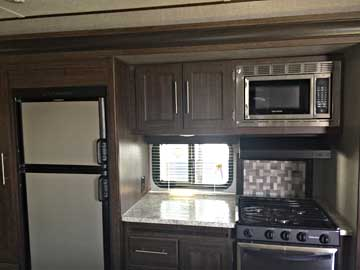 340RS-kitchen2-1