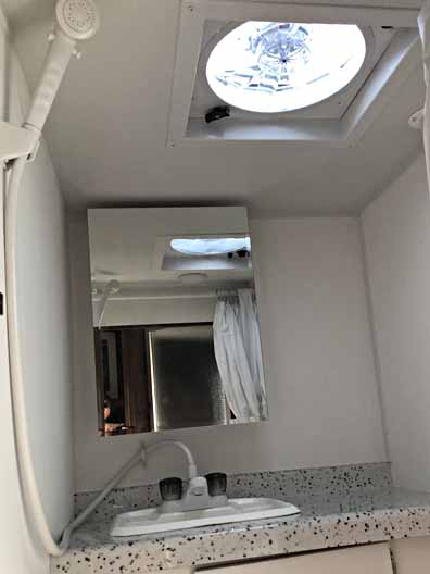 2018 Travel Lite Truck Camper 890SBRX 2