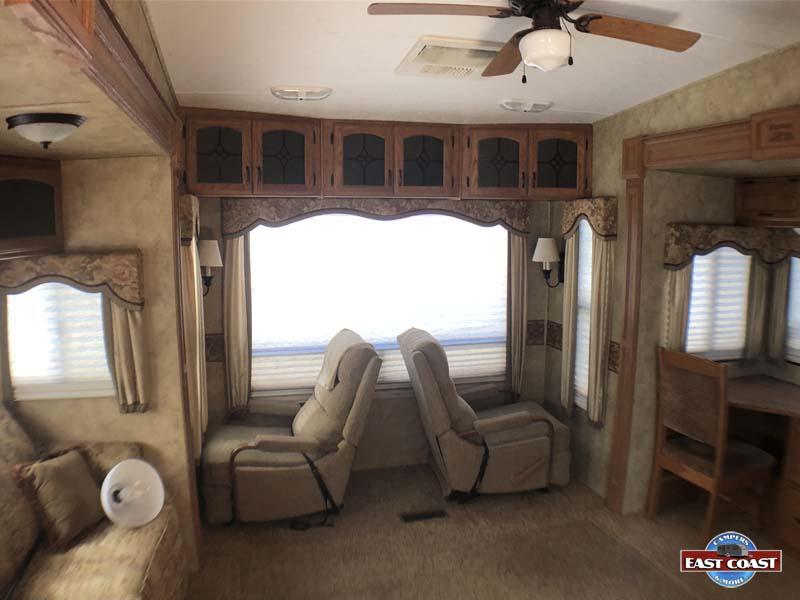 2009 Montana 3400RL IMG_8528