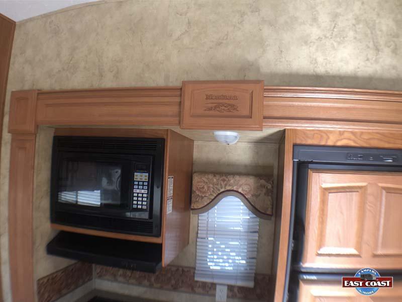 2009 Montana 3400RL IMG_8544