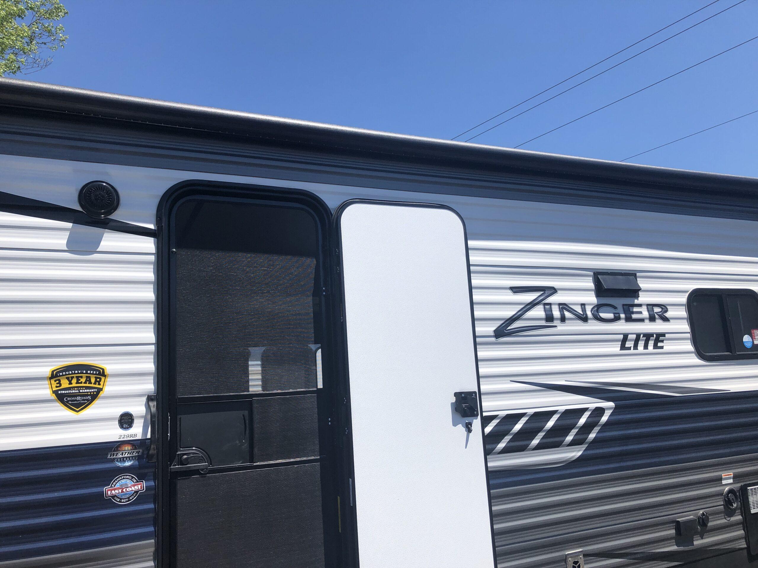 2020-Zinger-Lite-229RB-IMG_9584