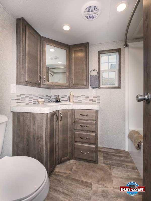 CanterburyP38CKLSL_Bathroom