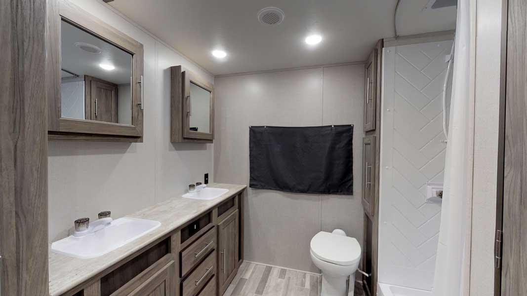 zinger-zr-280rb-bathroom